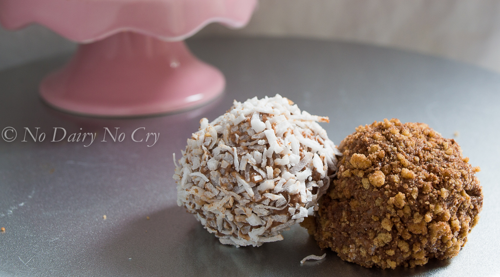 chocolate chip cheesecake truffles5a