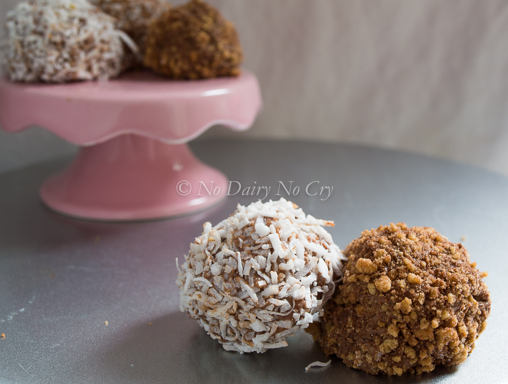 chocolate chip cheesecake truffles5b