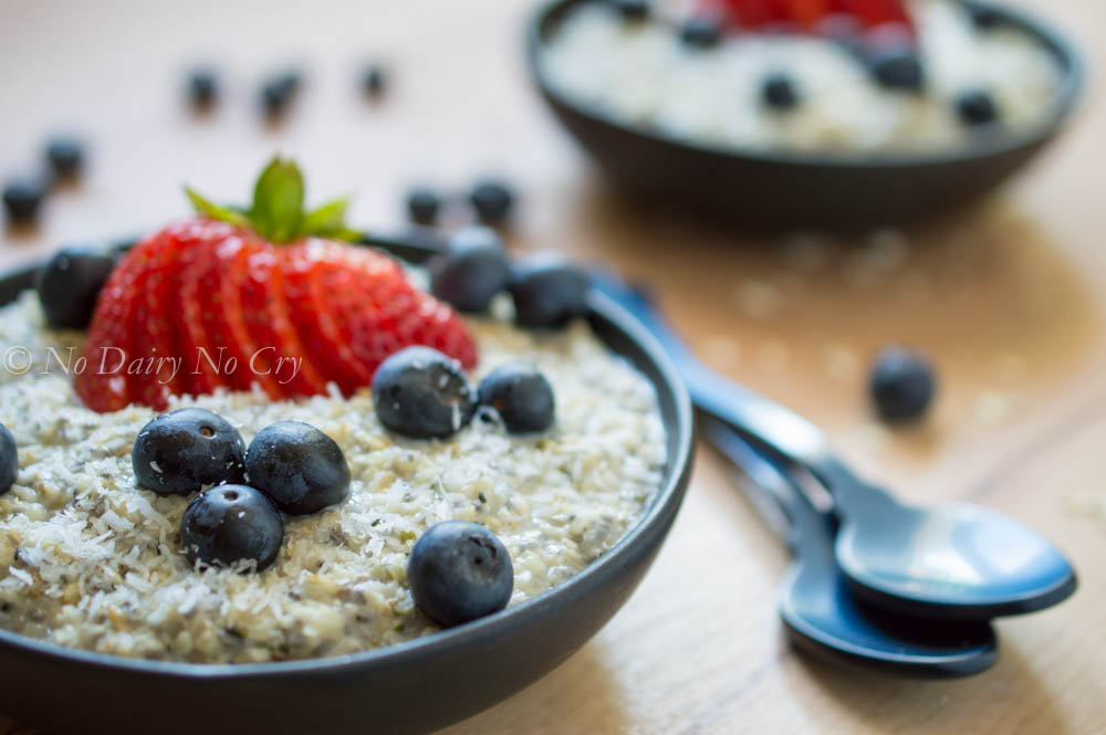 berry oatmeal breakfast bowl6a